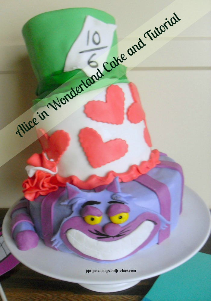 Alice in Wondetrland Cake and Tutorial