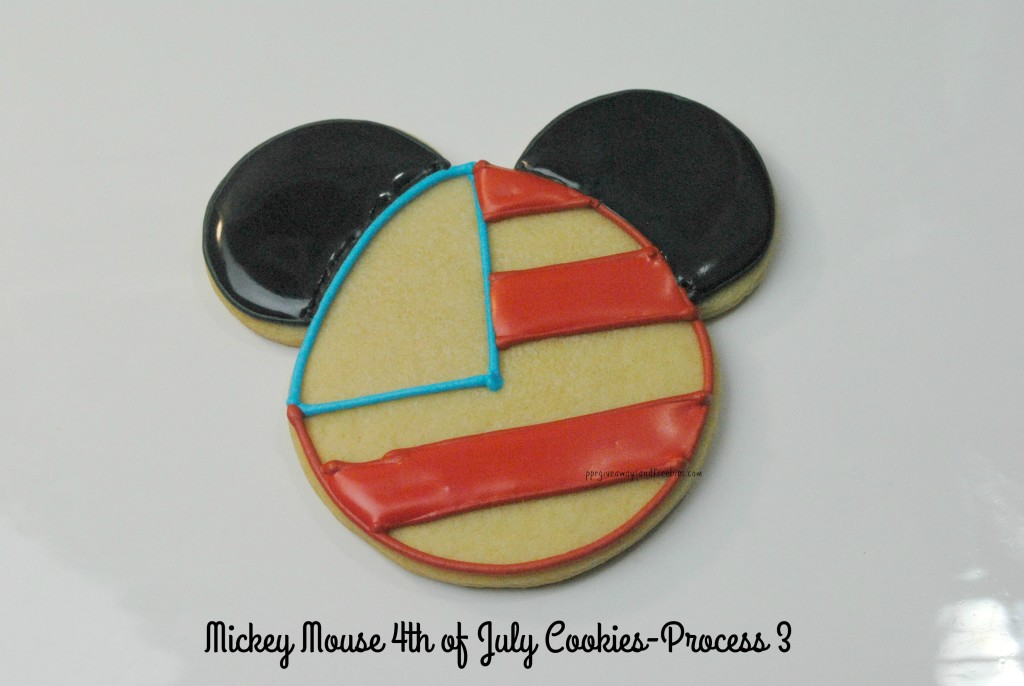 Mickey Mouse 4th of July Cookies-Process 3
