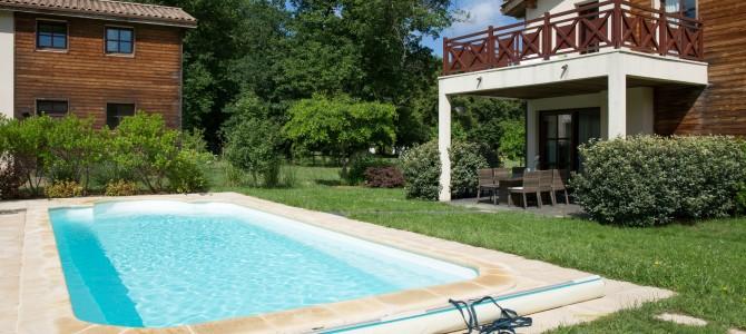 How to Clean a Backyard Pool