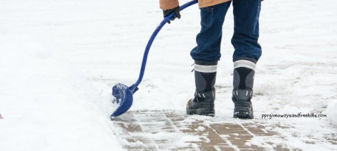 5 Snow Shoveling Safety Tips